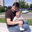 Z atijem na sprehodu pred domom za ostarele v Ljubljani.