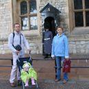 6. nov. 2006 Brina pred stražarjem kraljevih dragocenosti; Brina in front of the guard in