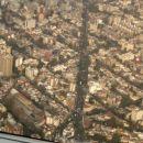 Nad glavnim mestom Mehike malo pred pristankom letala.
