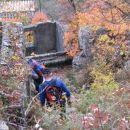 na Črnem hribu je veliko ostankov vojaških zgradb iz časa I. svet. vojne...
