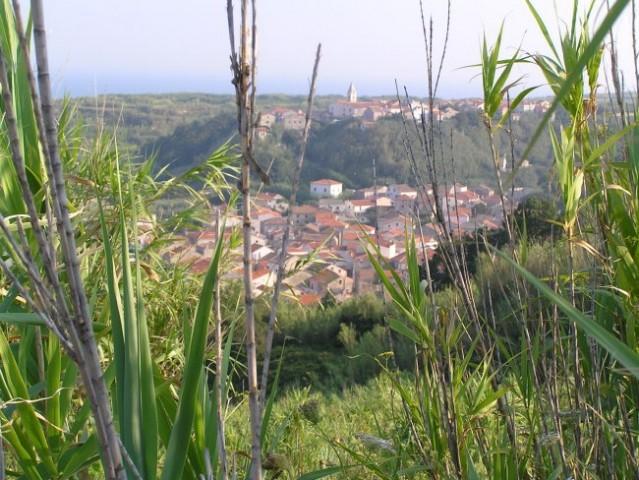 Susak - pogled na edini naselji na otoku
