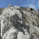 V drugem grebenu sem našel nekaj res lepih plezalskih detaljev, težave ves čas nihajo med