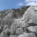 na sliki je viden zaključni del drugega grebena; skala v njem je dobra, plezanje pa uživaš