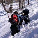 na sestopu se nam je sneg mestoma močno prediral tako , da je bilo kar naporno ...