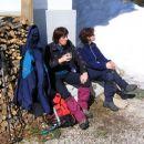 Joža in Ksenija počivata pri koči fratelli Grego