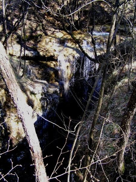 Slap sredi gozda ( okolica Kozine )