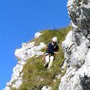 Za sestop smo si izbrali greben, ki z vrha vodi proti jugo - zahodu, v smeri prevala Čez P