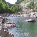 Črno jezero je prvo izmed 7 triglavskih jezer ( ali zadnje ), odvisno od katere strani šte