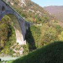 železniški most čez reko Sočo v Solkanu je bil zgrajen leta 1906. Leta 1916  je avstrijska