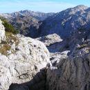Na severni strani grebena Krnčice se razprostirajo obsežni zakraseli