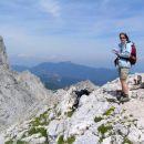 na vrhu Turske gore;  najlažji vzpon nanj  poteka po stari lovski stezi iz Kamniške bistri