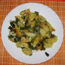 PEČEN KROMPIR S POROM  Sestavine: krompir, por, sol, provansalska mešanica začimb, olivn