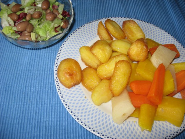 PEČEN KROMPIR S KUHANO ZELENJAVO  http://www.kulinarika.net/baze/recept.asp?ID=7152  K