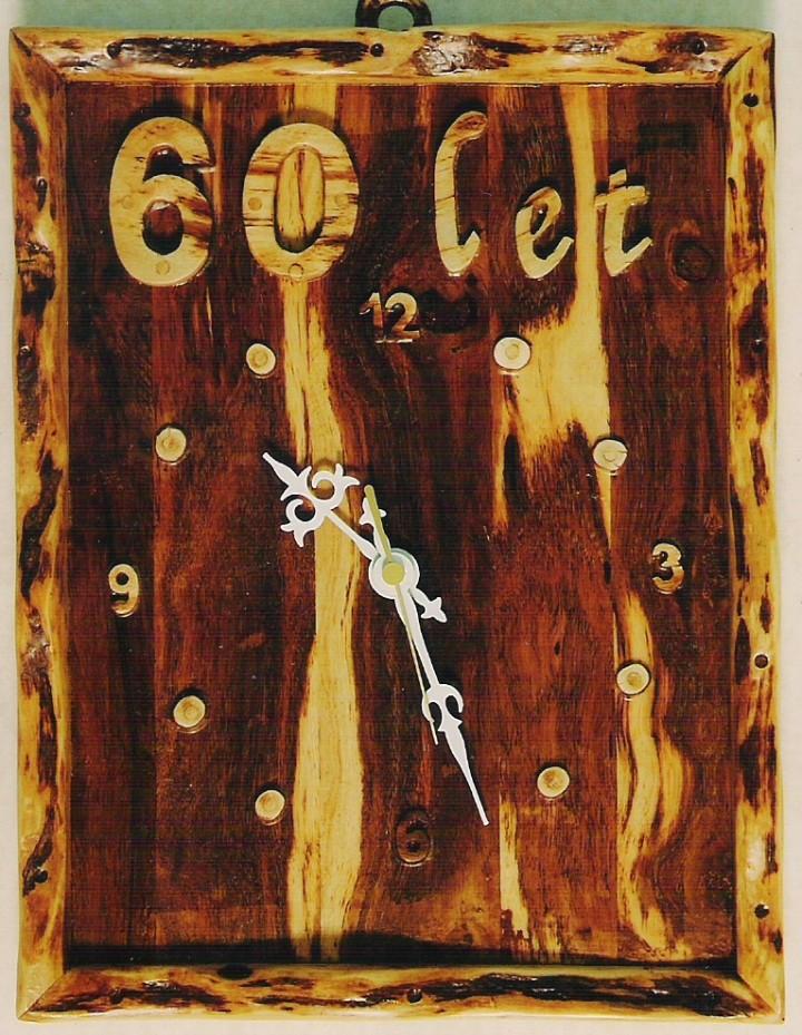 Ure-narejene iz vinske trte - foto povečava