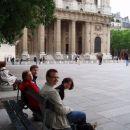 Oh, vsa ta Da Vinci mistika v Saint Sulpice nas je cisto zmatrala.
