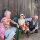 Majka, babo i praunce