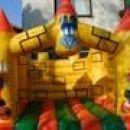 Napihljiv Grad  - Izposoja napihljivih balonov-Dragi starši napihljiv grad za praznovanje