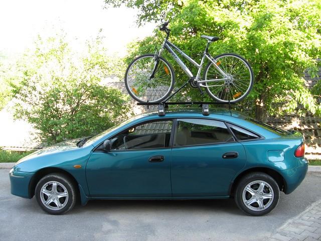 Mazda 323f - foto