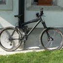 Najnovejše kolo.Kako je lep moj črni konj:)