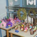 Košarice z jabolki in krhlji - izdelala sodelavka z učenci.