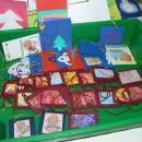 Z novoletnega bazarja 2004 - Male vizitke za darilca.