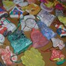 Mavčni odlitki, ki jih je barval 3-letni sinko.