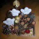Božično-novoletna dekoracija na naši mizi - dec. 2010