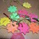 Te zvezdice iz slanega testa je s prijateljčki izdelal v vrtcu.