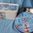 Škatla od sladoleda in škatla od kozmetike Nivea - pokrova prebarvana z belo akrilno barvo