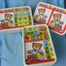 Škatle z motivom medvedka so všeč sinu in hčerki, ki mi pri delu pomagata.