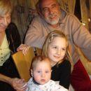 Jaz, moja sestrična ter babi in dedi na božični večer