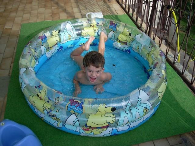Poziram v bazenu