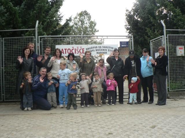 Z vrtcem smo obiskali azil za živali...