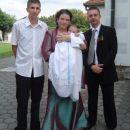 v krstni oblekici