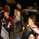 Majda & Metka, pa ostali člani mlajšega orkestra